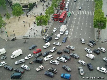 crazy-traffic-at-arc-de-triomphe-paris-france.by darkroastedblend.com
