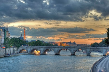 One of Paris's nine bridges (ponts) that span the Seine. Flickr