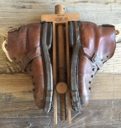 French vintage leather hiking boots at villamaison.com